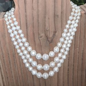 Vintage faux pearl hand knotted 3strand choker